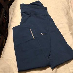 Nike Dri-Fit Capri running pants